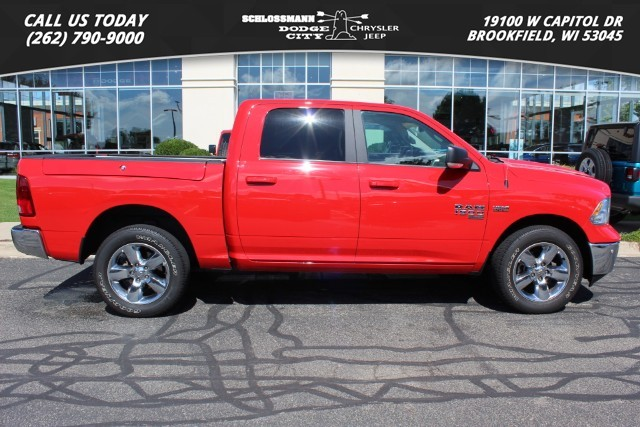 Certified Pre-Owned 2019 Ram 1500 Classic 4WD Big Horn Crew Cab