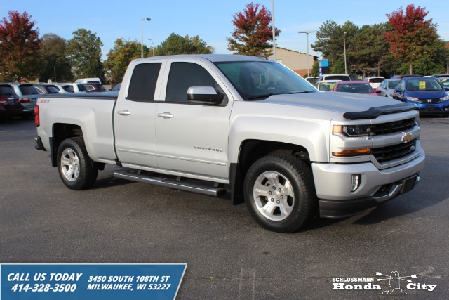 Pre-Owned 2016 Chevrolet Silverado 1500 4WD LT w/2LT Double Cab