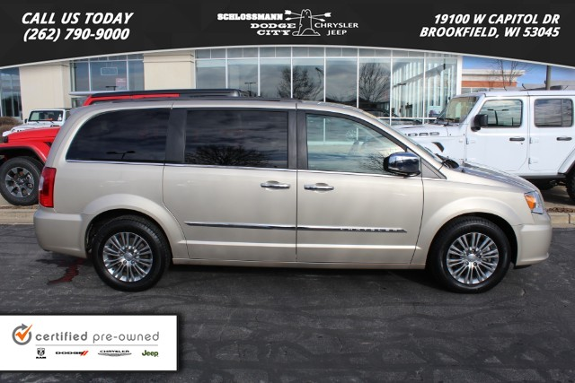Certified Pre Owned 2017 Chrysler Town Country Touring L