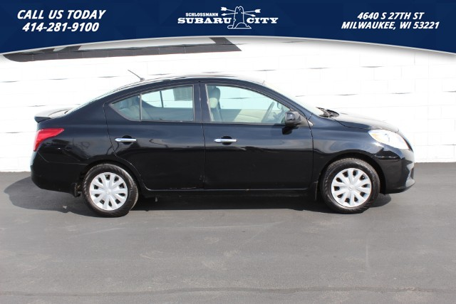 Pre-Owned 2014 Nissan Versa SV