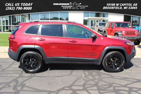 Pre-Owned 2015 Jeep Cherokee 4WD Trailhawk