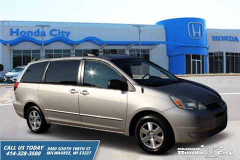 Pre-Owned 2004 Toyota Sienna LE